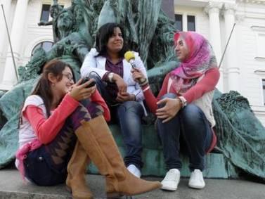 Asya und Beyda mit Amani Eltunsi