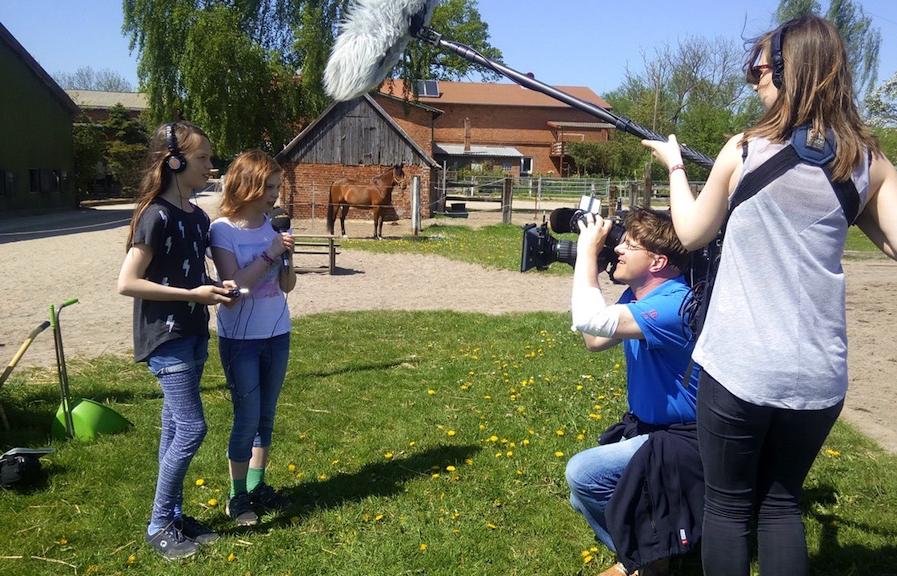 Wir wurden vom NDR gefilmt, als wir bei der Filmtierzentrale waren!